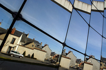 Pubblicart grafica comunicazione decorazioni rivestimenti vetri pellicole antisolari sicurezza for Pellicola a specchio per vetri